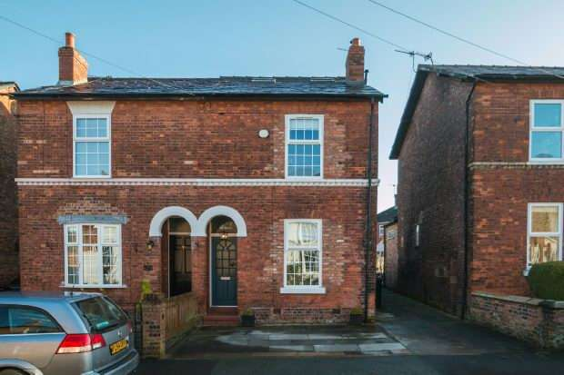 3 Bedrooms Semi Detached House for sale in Priory Street, Bowdon