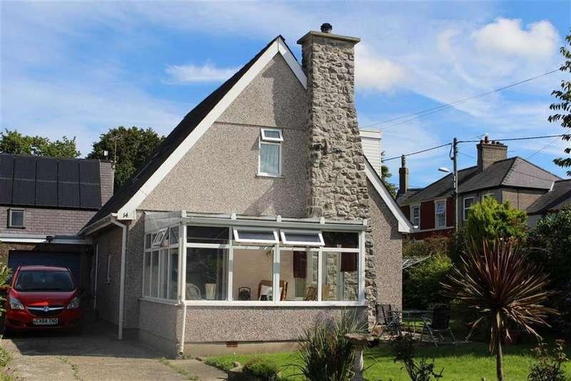 2 Bedrooms Detached House for sale in Erw Wen, Caernarfon
