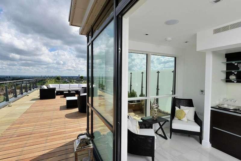 3 Bedrooms Flat for rent in Longfield Avenue, Ealing, W5