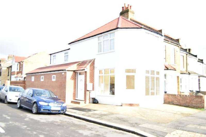 2 Bedrooms Flat for sale in 55 Cambridge Road, Hounslow, Middlesex