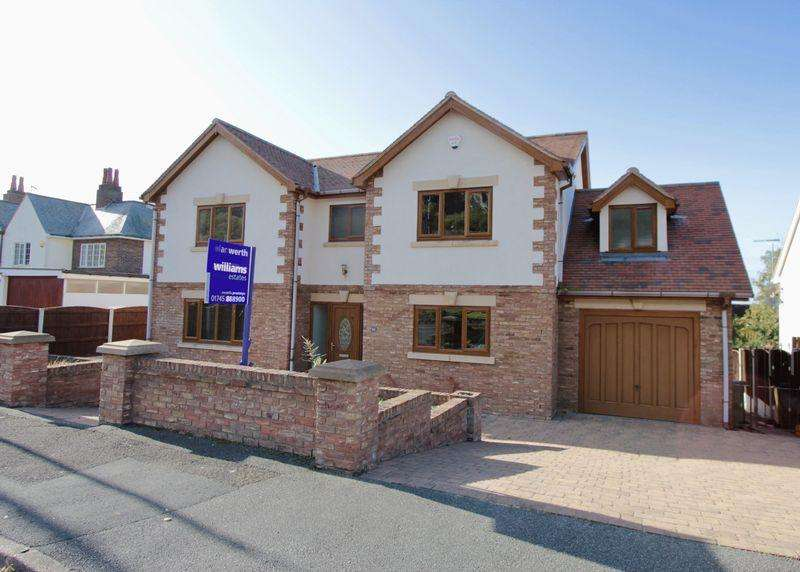 5 Bedrooms Detached House for sale in Stoneby Drive, Prestatyn