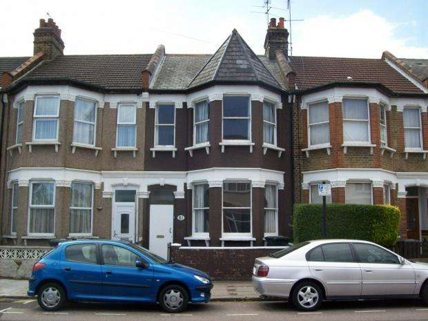 5 Bedrooms Terraced House for rent in Downhills Park Road, London, N17