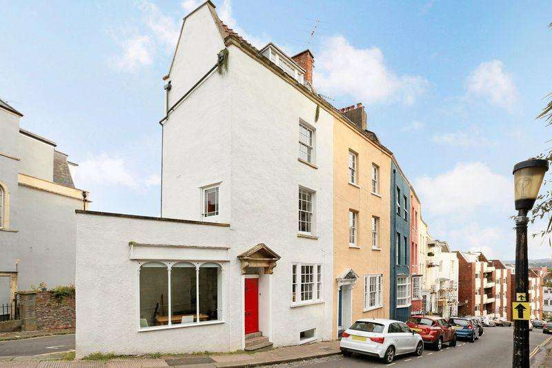 3 Bedrooms End Of Terrace House for sale in Granby Hill, Clifton, Bristol, BS8 4LS