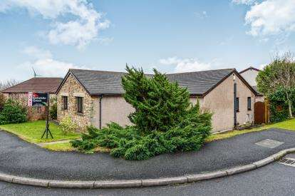 4 Bedrooms Bungalow for sale in The Spinney, Heysham, Morecambe, Lancashire, LA3