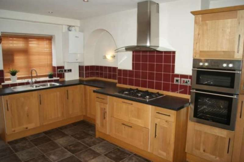 3 Bedrooms Apartment Flat for rent in High Street, Holywell, CH8 7LE.