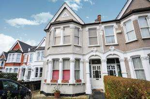 3 Bedrooms Semi Detached House for sale in Bargery Road, Catford, London, .