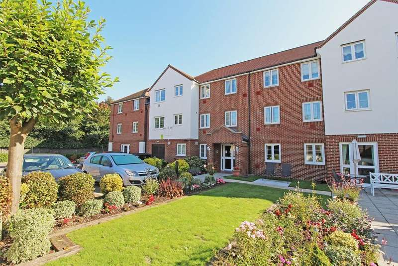 1 Bedroom Retirement Property for sale in Station Road, Letchworth Garden City, SG6