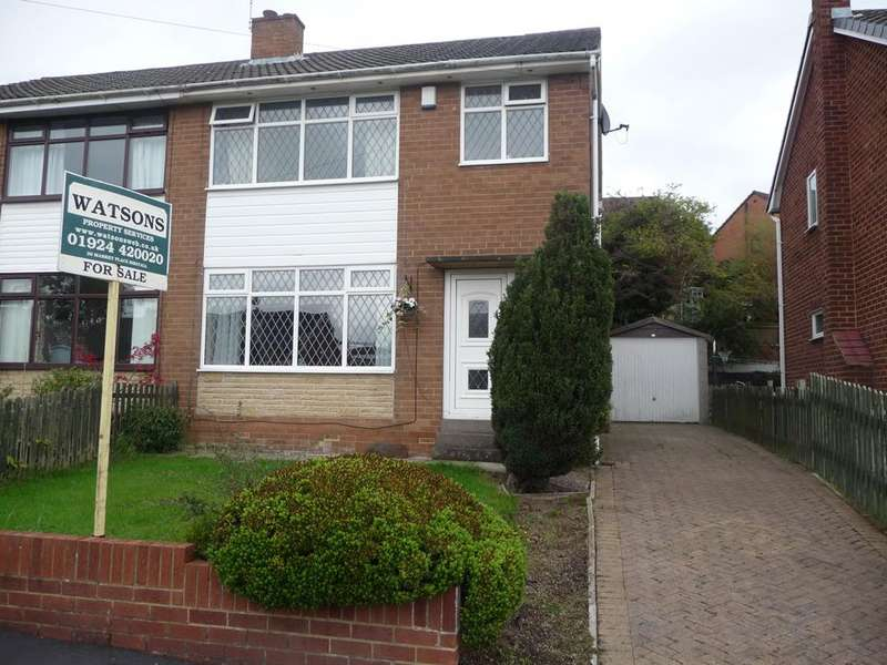 3 Bedrooms Semi Detached House for sale in Almond Way