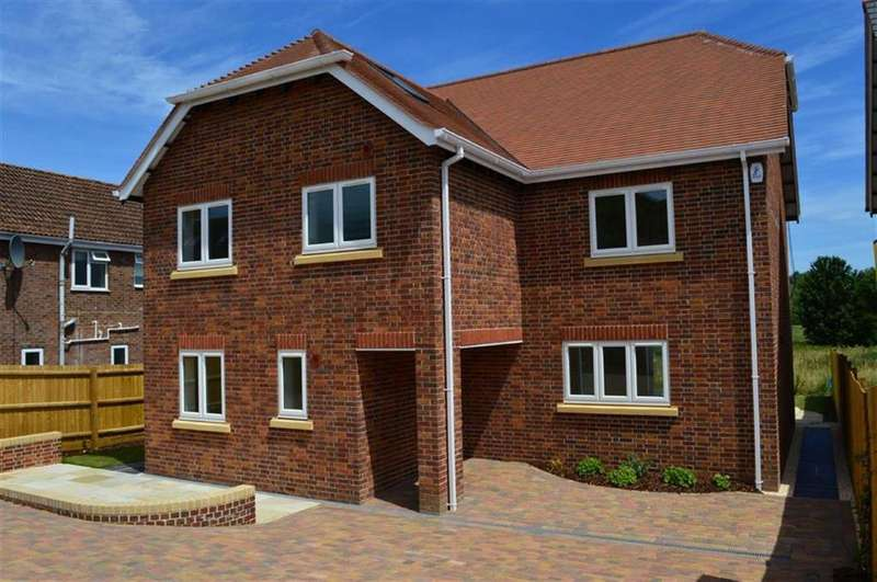 6 Bedrooms Detached House for sale in Beech Close, Blandford Forum, Dorset