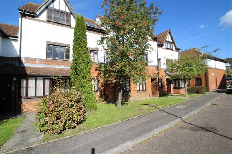 1 Bedroom Apartment Flat for sale in Grovelands Close, Harrow, Middlesex