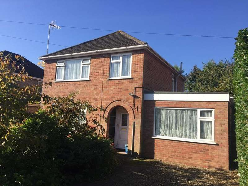 3 Bedrooms Detached House for sale in Park Avenue, Spalding, PE11