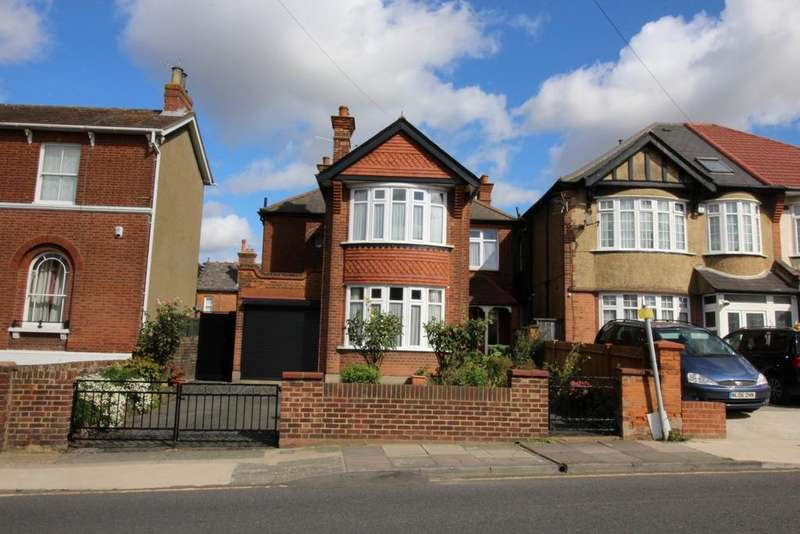 3 Bedrooms Detached House for sale in Old Road West, Gravesend DA11