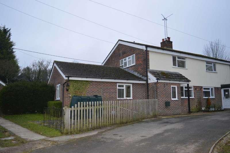 3 Bedrooms Semi Detached House for rent in Royal Oak Cottages, Shalbourne
