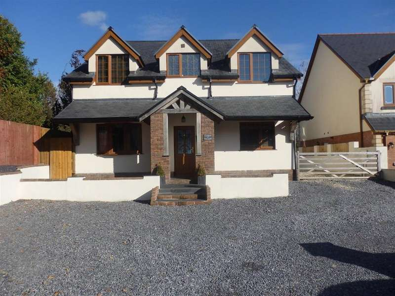 4 Bedrooms Detached House for sale in Erw Las, Llwynhendy, Llanelli