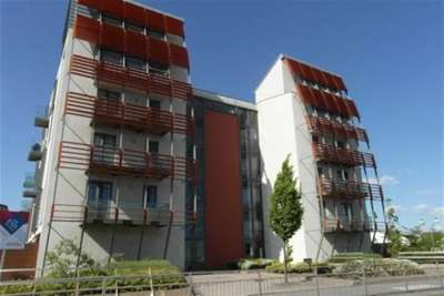 2 Bedrooms Flat for rent in Radcliffe House, Ardwick, M11
