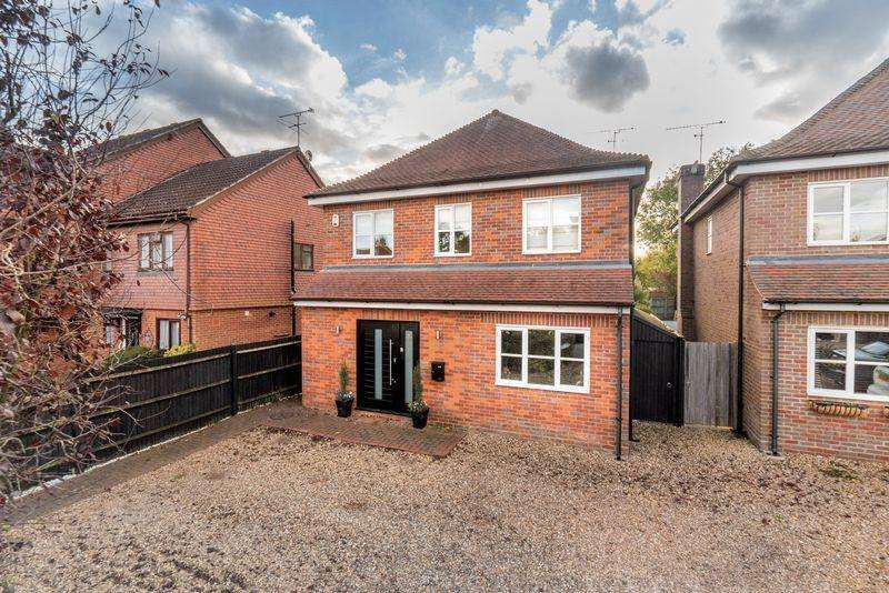 4 Bedrooms Detached House for sale in Draper Court, Crown Street, Redbourn