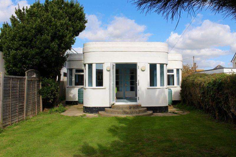3 Bedrooms Bungalow for sale in Eirene Road, Goring-by-Sea