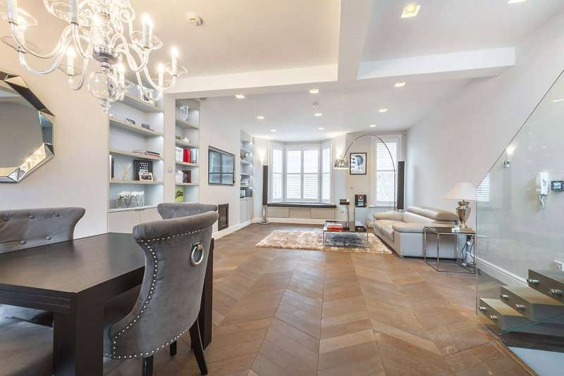 2 Bedrooms Maisonette Flat for sale in Cremorne Road, Chelsea, London, SW10