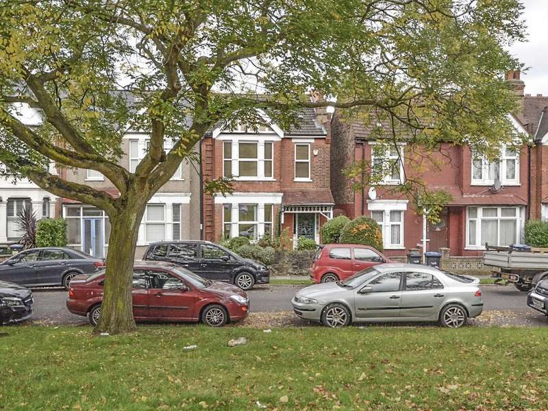 3 Bedrooms Semi Detached House for sale in Tewkesbury Terrace, N11