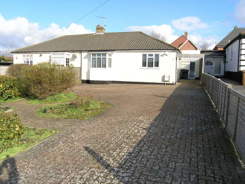 3 Bedrooms Bungalow for sale in Oundle Avenue, Bushey
