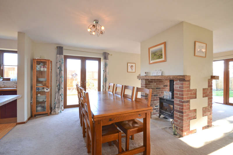 4 Bedrooms Detached House for sale in Newchurch, Isle Of Wight