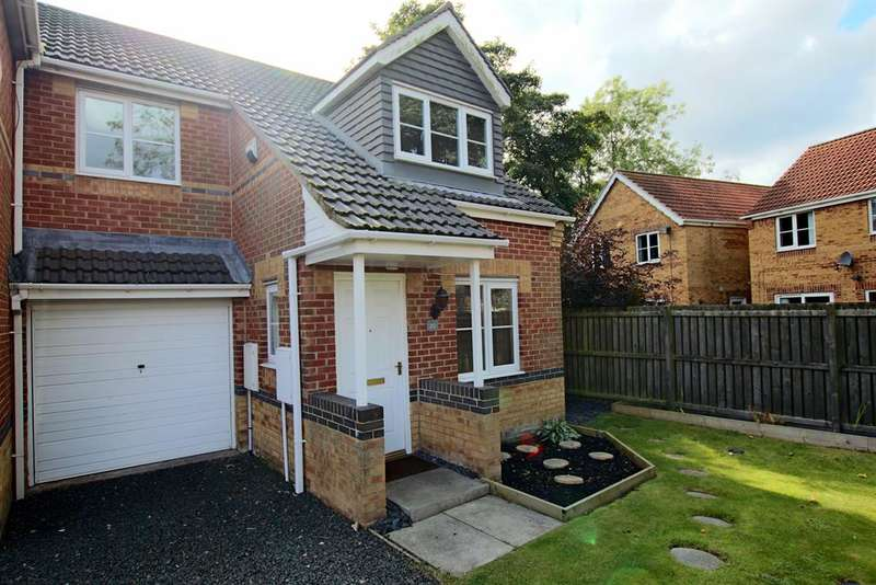 3 Bedrooms Semi Detached House for sale in Hetherset Close, Sunderland, SR4 8EU