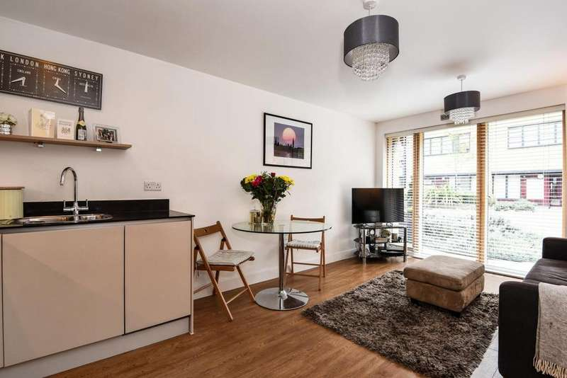 1 Bedroom Flat for sale in Mildmay Avenue, Islington