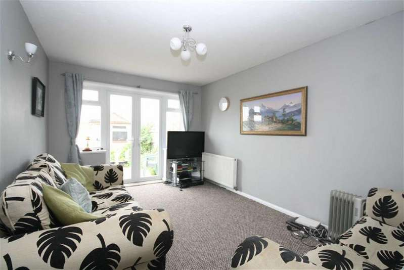 3 Bedrooms Semi Detached Bungalow for sale in Hoddern Avenue, Peacehaven