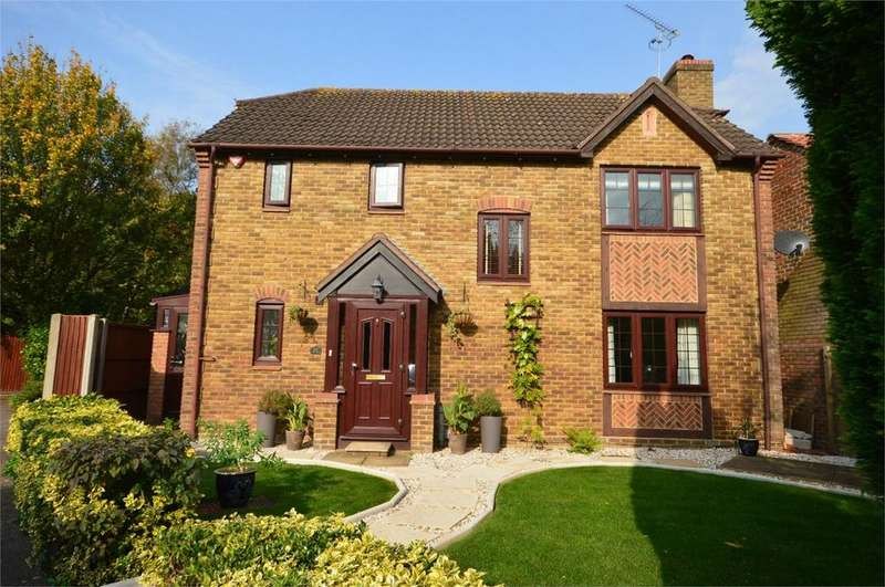 4 Bedrooms Detached House for sale in 30 Clover Avenue, Bishop's Stortford