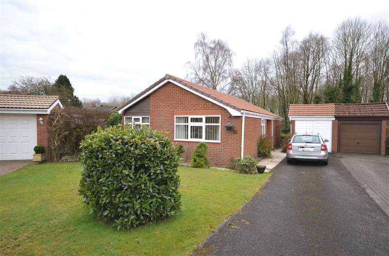 3 Bedrooms Detached Bungalow for sale in The Farthings, Astley Village, Chorley