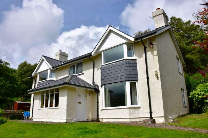 4 Bedrooms Detached House for sale in Tyn Llwyn, Caerdeon, LL42