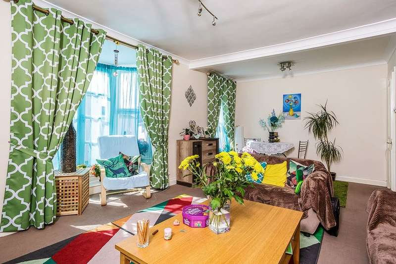 3 Bedrooms Flat for sale in West Street, Bognor Regis, PO21