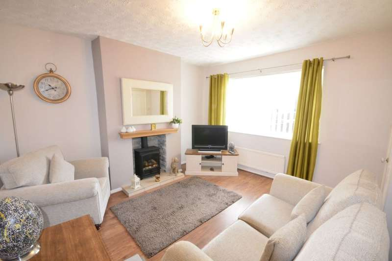 2 Bedrooms Semi Detached House for sale in Calder Drive, Kearsley, Bolton, BL4