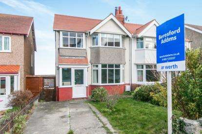 3 Bedrooms Semi Detached House for sale in Smith Avenue, Old Colwyn, Colwyn Bay, Conwy, LL29