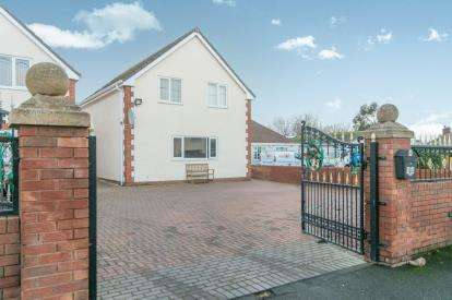 3 Bedrooms Detached House for sale in Penisaf Avenue, Towyn, Abergele, Conwy, LL22