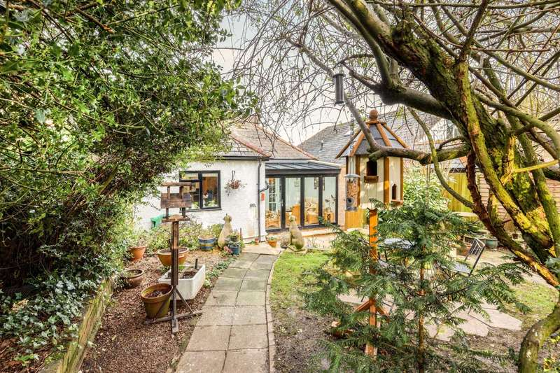 3 Bedrooms Detached Bungalow for sale in High Street, Berkhamsted