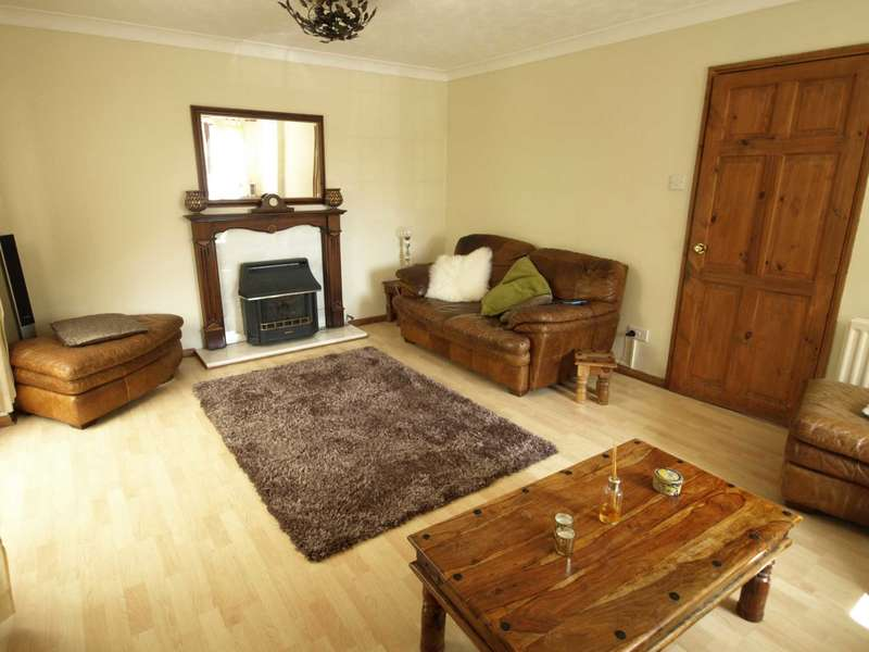 4 Bedrooms Detached House for sale in Benson Close, Bicester