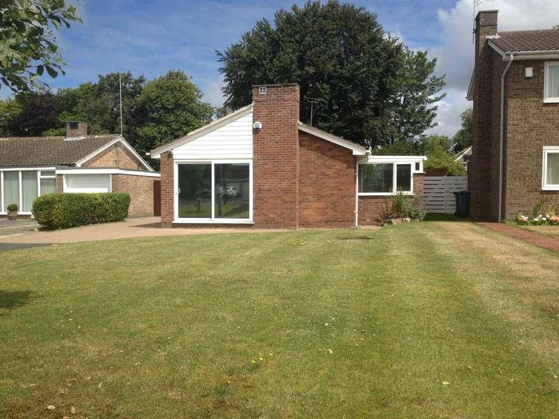 2 Bedrooms Detached Bungalow for sale in Mayfair Close, West Park, Lytham
