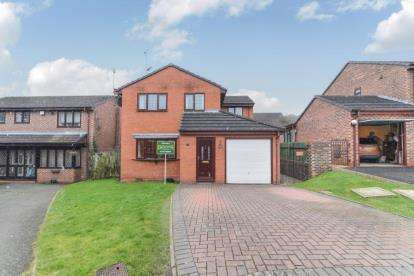 4 Bedrooms Detached House for sale in Batsford Close, Redditch, Worcestershire