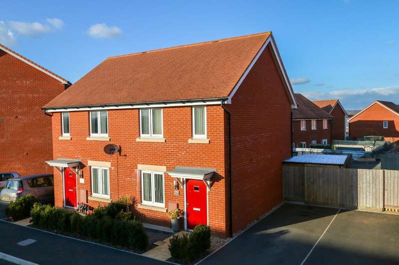 3 Bedrooms Semi Detached House for sale in Mayfield Way, Cranbrook