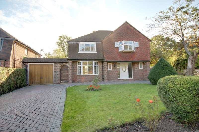 4 Bedrooms Detached House for sale in Abbey Gardens, Chertsey, Surrey, KT16