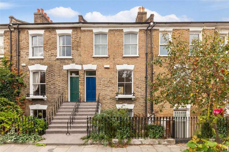2 Bedrooms House for sale in Queen Margarets Grove, Islington, London
