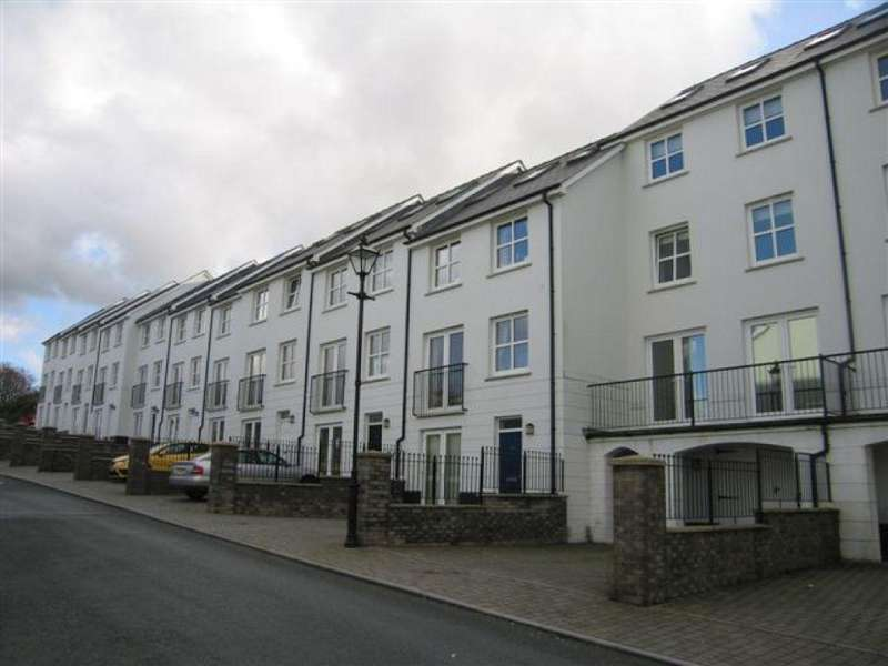 4 Bedrooms Town House for sale in Kensington Gardens, Haverfordwest, Pembrokeshire