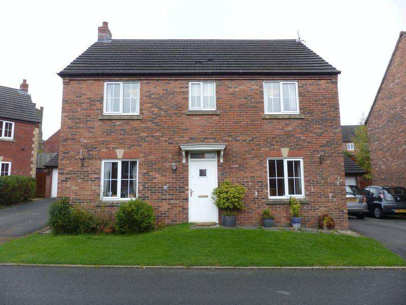 4 Bedrooms Detached House for sale in Pilgrim Way, Oldham