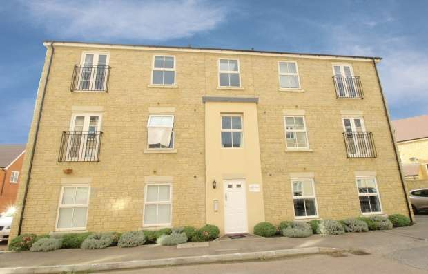 2 Bedrooms Flat for sale in Harmony House, Swindon, Wiltshire, SN25 2PN