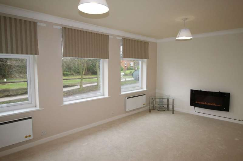 2 Bedrooms Flat for sale in Lockside, Marple, Stockport, SK6