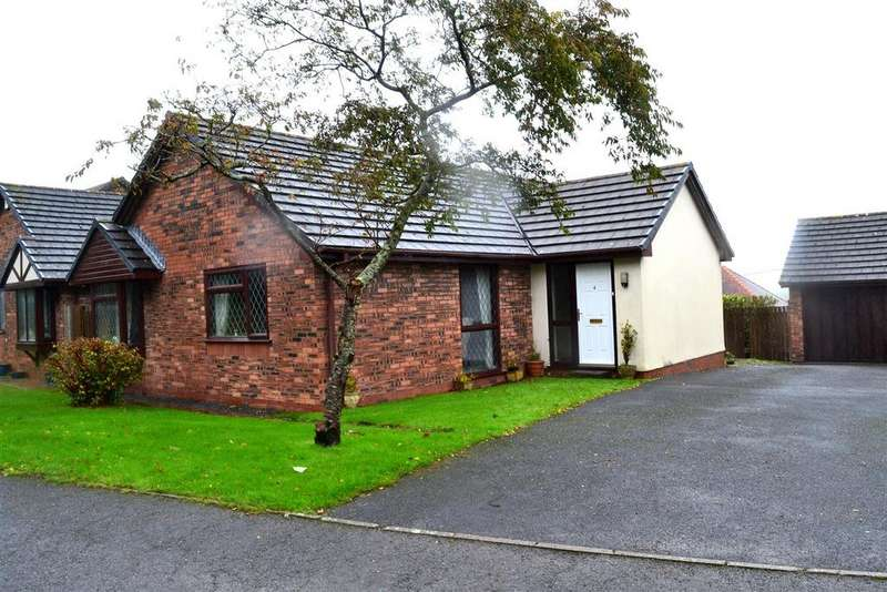 3 Bedrooms Detached Bungalow for sale in Glan Y Lli, Penclawdd, Swansea