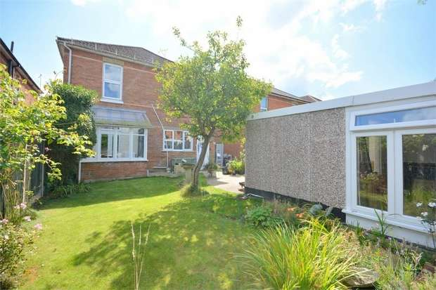 4 Bedrooms Detached House for sale in Belvedere Road, Bournemouth, Dorset