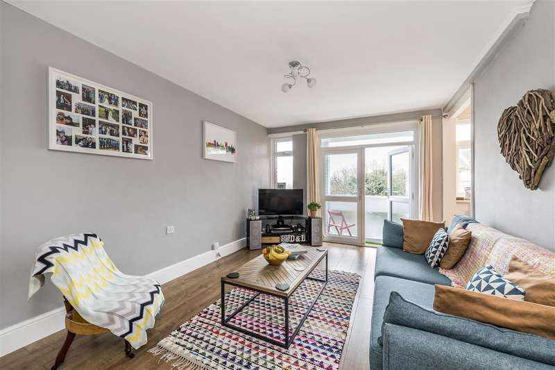 2 Bedrooms Apartment Flat for sale in Arnewood Close, Roehampton