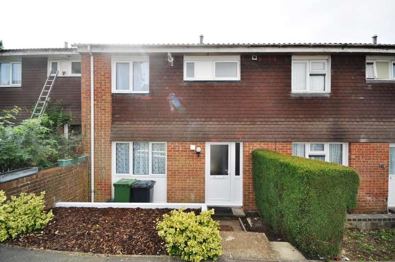 4 Bedrooms House for rent in Clover Road, Guildford
